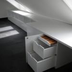 Schreibtisch mit Ablage